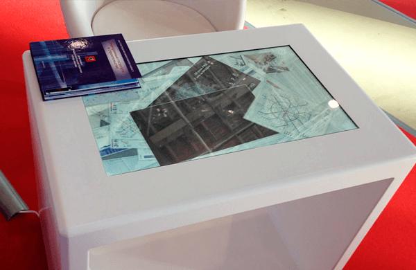 На стенде выставки, проводившейся на территории ВДНХ, нами была установлена интерактивная полукруглая 12-и метровая видеостена