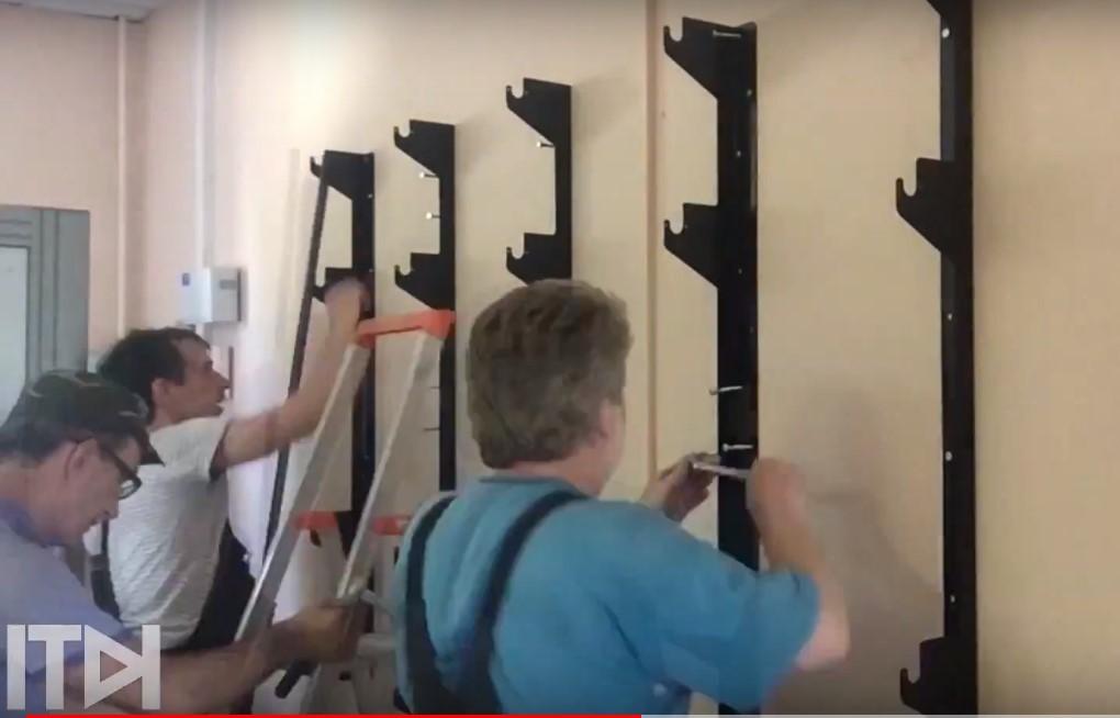 """Специалисты компании ITDILAB произвели монтаж видеостены 4 на 2 на базе профессиональных панелей PHILIPS 43"""" в аэропорту г. Калининграда"""